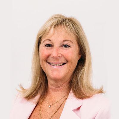 Robyn Kingstone - Giles & Liew Chartered Accountants